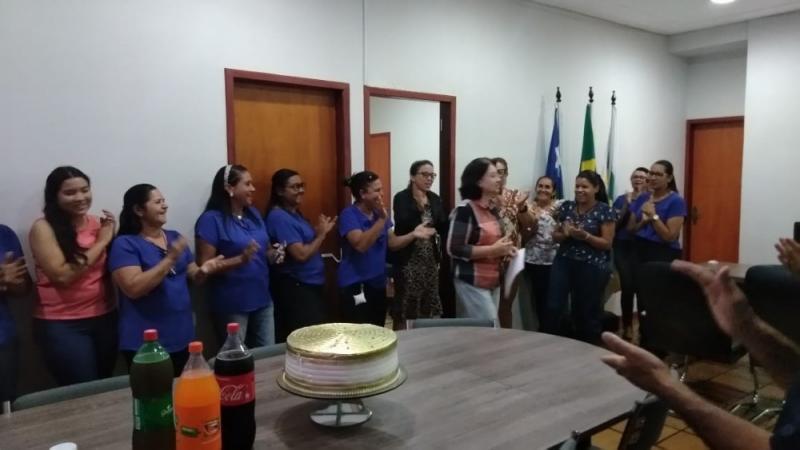 Ceiça Dias realiza surpresa para aniversariantes do mês de julho