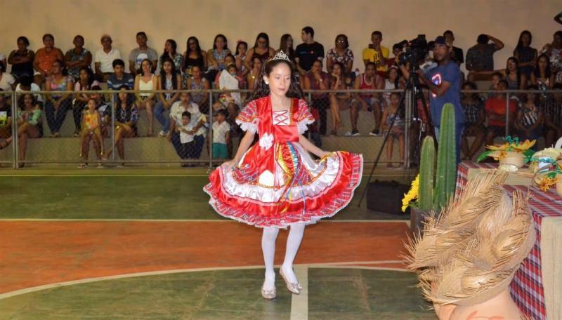 Joaquim Pires realiza a primeira noite do 'Arraiá da Nossa Cidade'