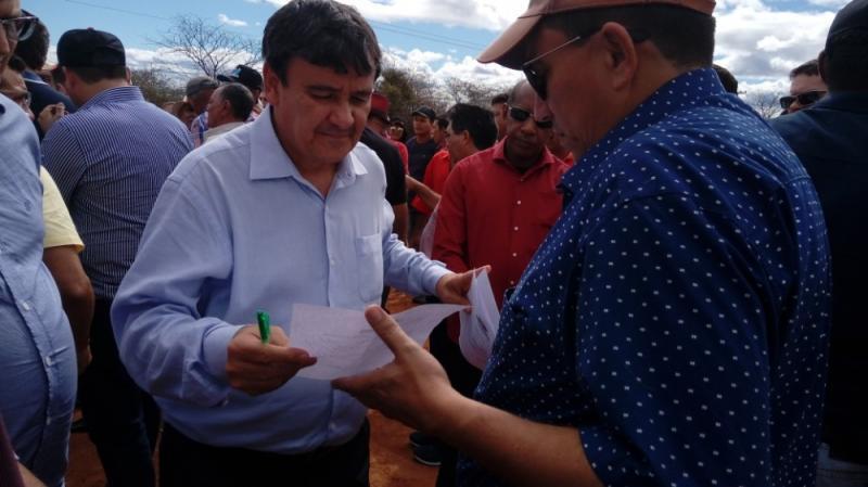 Prefeito Walter Alencar acompanhou visita de Wellington Dias