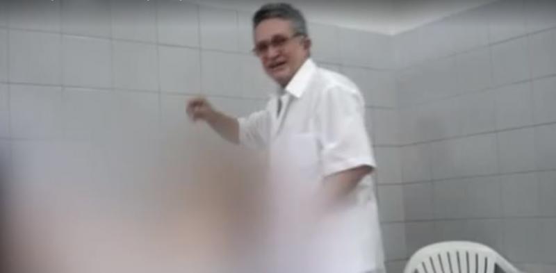 Médico e prefeito no Ceará é filmado estuprando pacientes