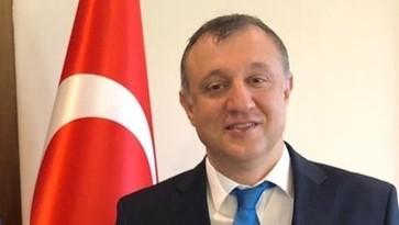 Embaixador  da Turquia no Brasil Murat Yavuz Ateş sustenta democracia Turca