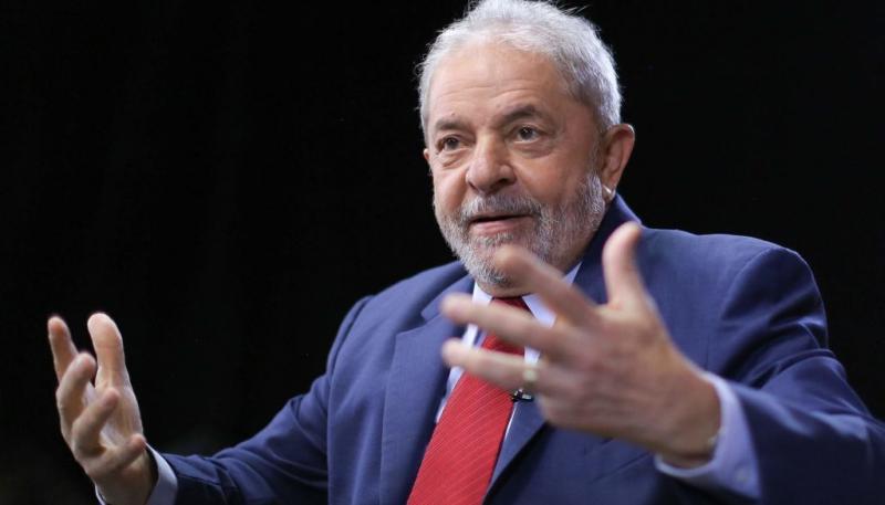 Governo é formado por 'ignorantes' e 'individualistas', diz Lula