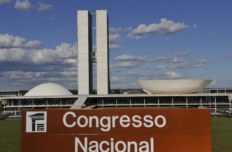 Congresso quer acabar com estabilidade dos servidores