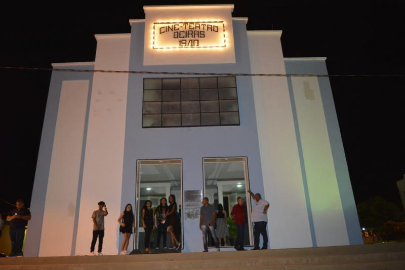 Cine Teatro Oeiras é reaberto ao público após reforma