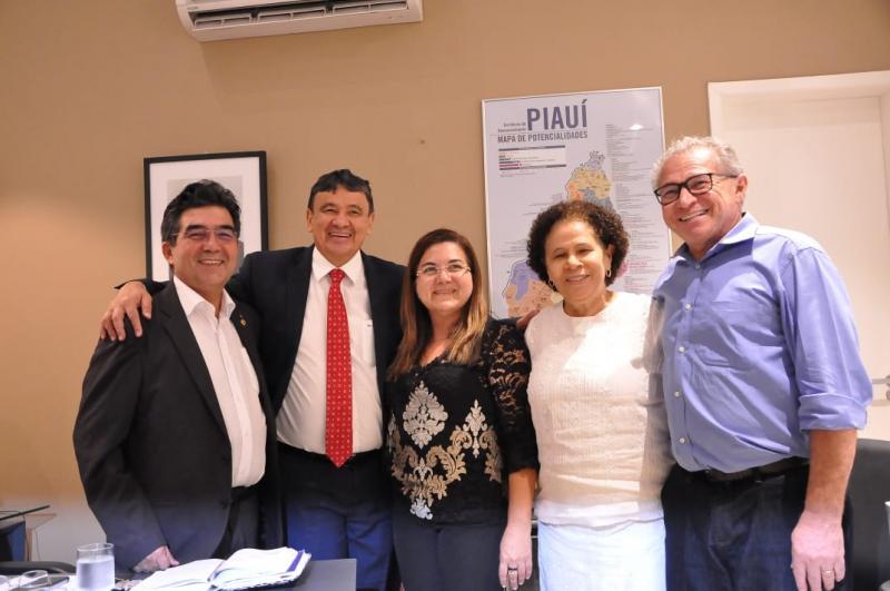 Prefeita Vilma Lima assegura asfaltamentos na PI 117 e Av. Vicente Augusto