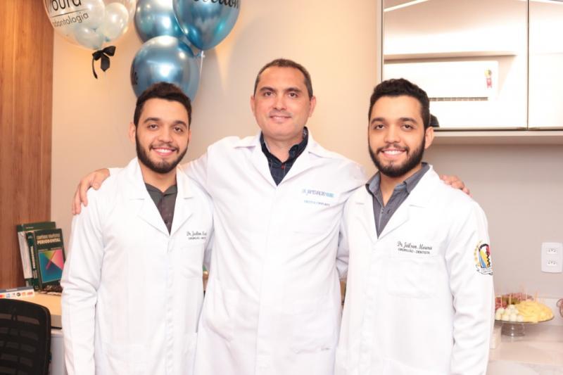 JJJ Moura Odontologia inaugura consultório em Teresina
