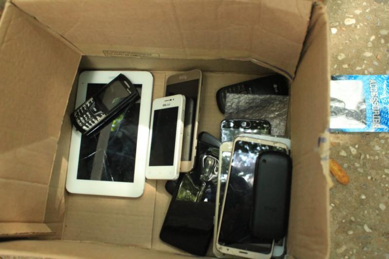 Polícia realiza restituição de celulares de vítimas de roubo ou furto