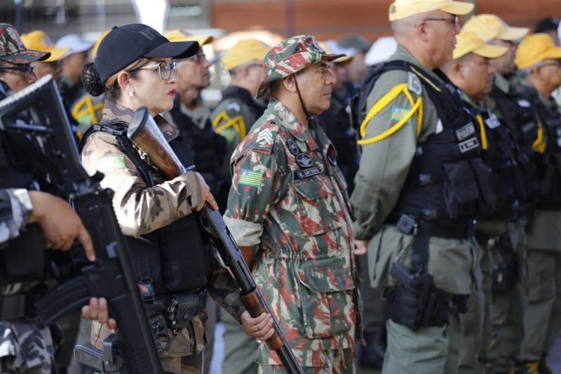Policiais iniciam operação para reforçar segurança no litoral