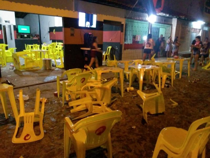 Jogo do Flamengo termina em confusão em bar de Teresina
