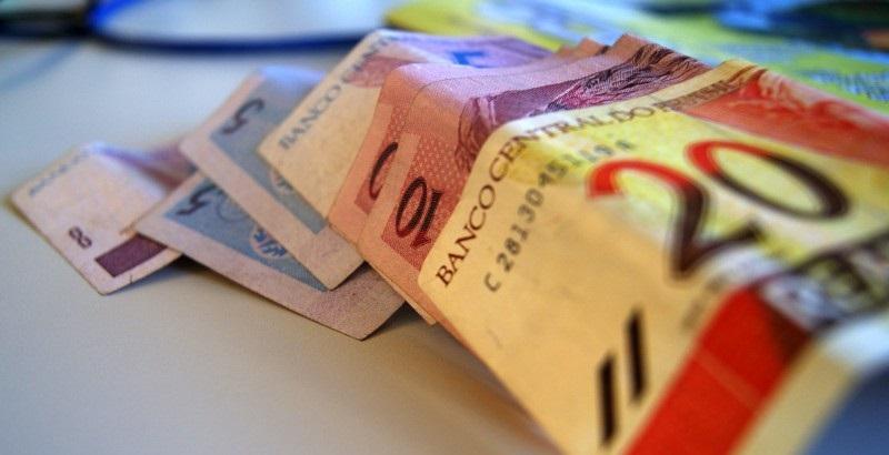 Salário mínimo é menor do que o inicialmente previsto pelo governo
