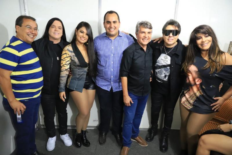 Jonas Moura prestigia 5ª noite da 19ª Semana Cultura de Monsenhor Gil