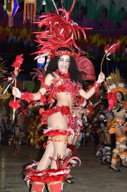 Boi Encanto dos Muypurás se apresenta pela segunda vez em Campo Largo-PI