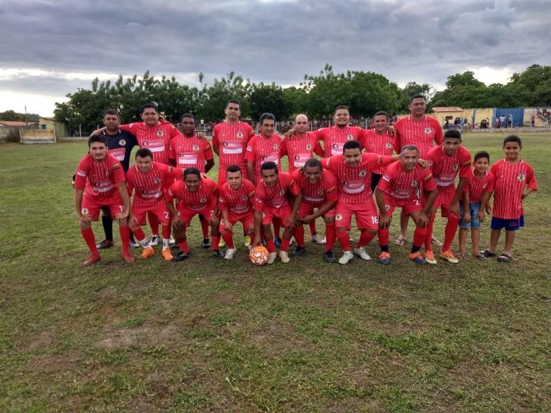 Dois jogos marcaram o aniversario do Arraial Futebol Clube