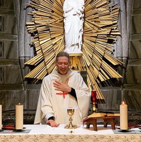 'Nasci novamente', declara Padre Marcelo Rossi após incidente