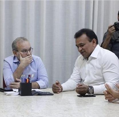 Encontro entre Firmino e Fábio Abreu gera especulações sobre 2020