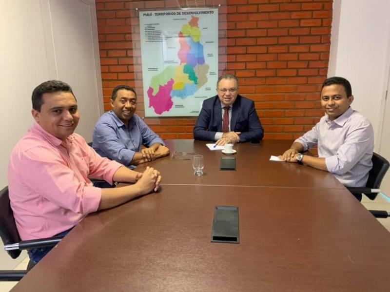 Joel Rodrigues vai a Teresina cobrar retomada de obras da Policlínica