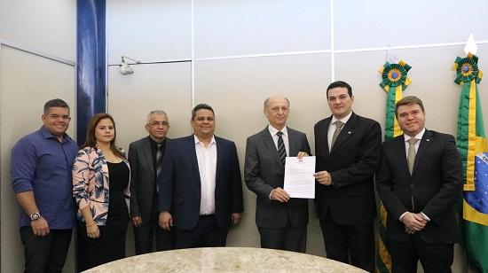 OAB Piauí se reúne com a presidência do TCE para tratar sobre o Regimento