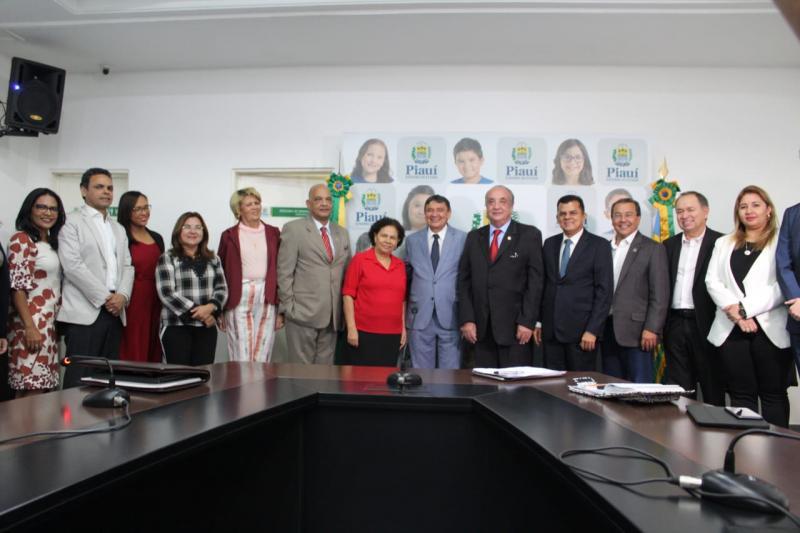 Prefeita Vilma Lima participa de Reunião com governador e secretários