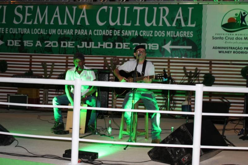 Prefeitura realizou I Feira Investe Santa Cruz dos Milagres