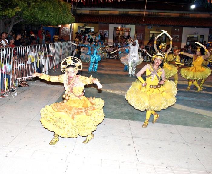 Confira o Festival de Folguedos em Santa Cruz dos Milagres