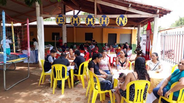 Escola Municipal Min Hugo Napoleão realizou uma confraternização de encerramento