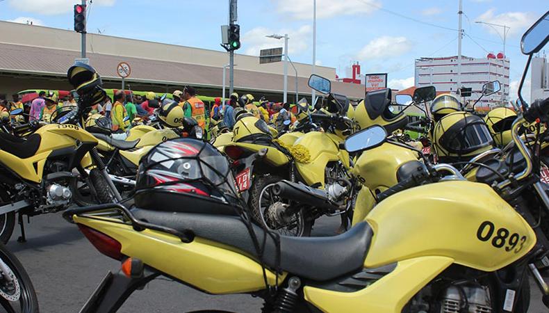 Lei autoriza mototaxistas a fazerem transporte de mercadoria