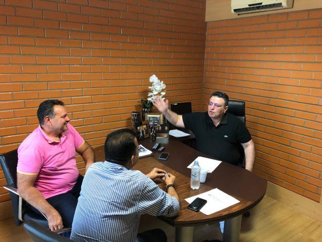 Prefeito de Porto participa de reunião com deputado Gessivaldo Isaias