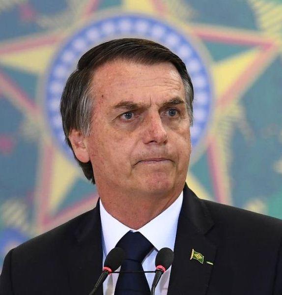 'Se achar pouco, não retira', diz Bolsonaro sobre saque do FGTS