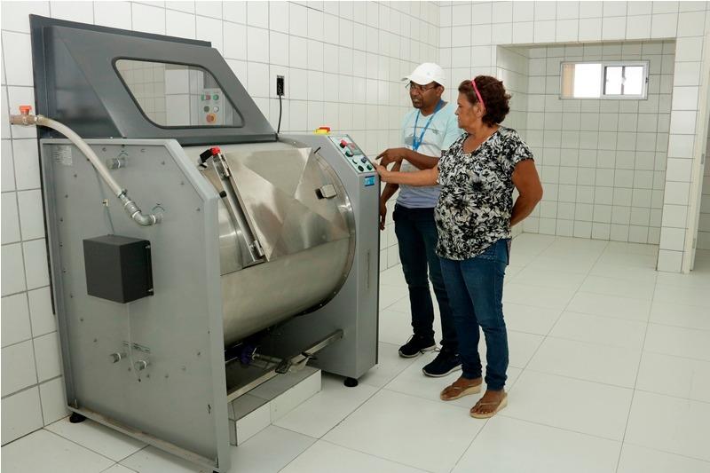 Treinamento para utilizar equipamentos da lavanderia