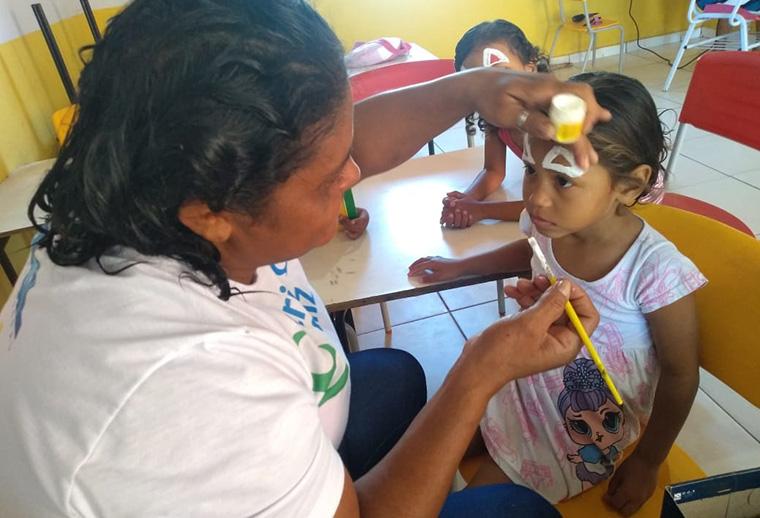 Escola Comunitária do Cidade Nova proporciona 'Dia de Ação Especial'