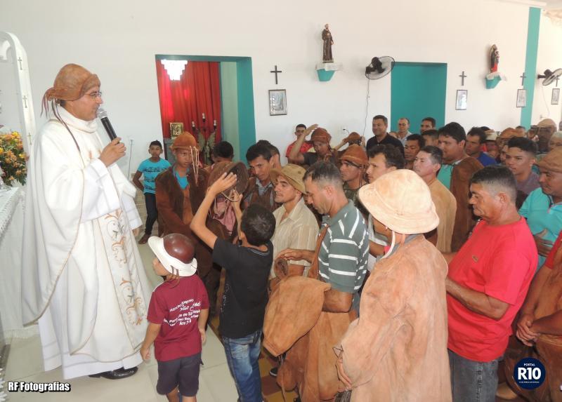 Pe. Eduardo preside Missa dos Vaqueiro nas festividades de São José