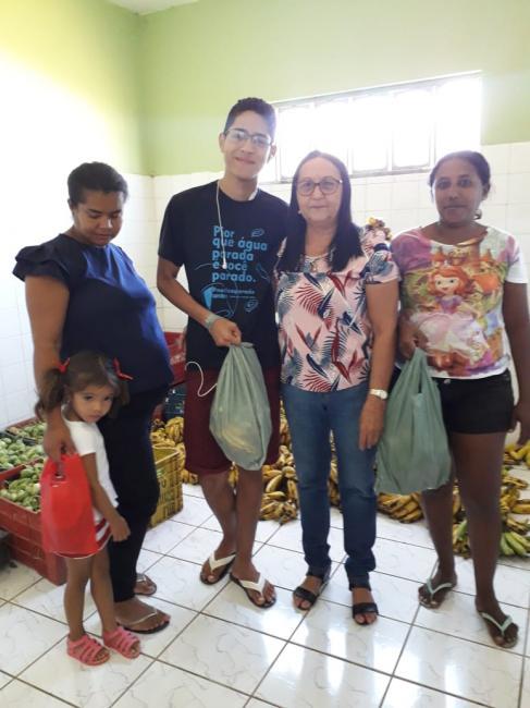 Prefeitura de Olho D'água realiza distribuição de produtos agrícolas