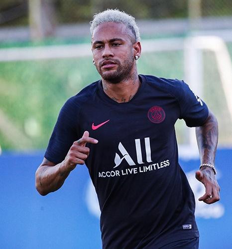 Investigado, Neymar perde posto de garoto-propaganda do Fifa