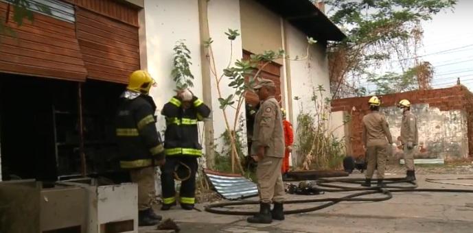 Incêndio destrói depósito dos Correios em Teresina