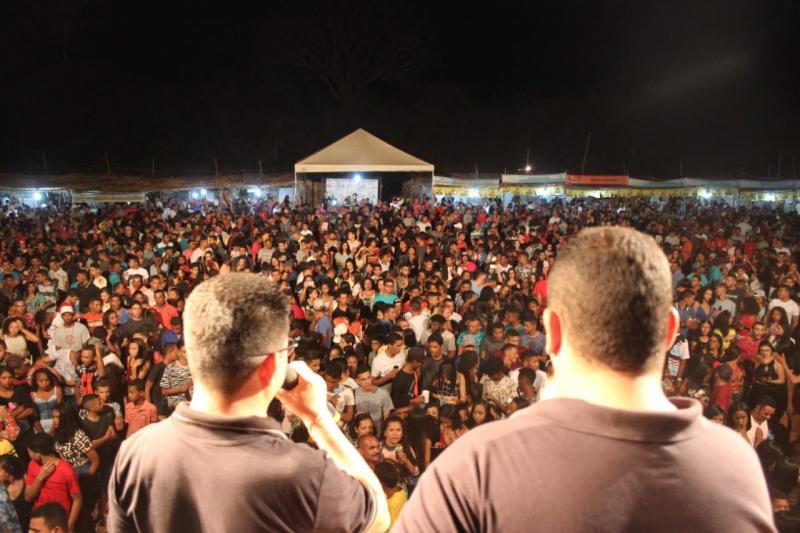 Shows encerram Festival de Verão em Francisco Ayres