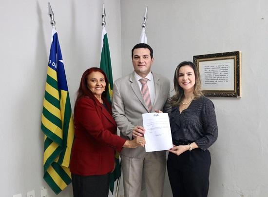 OAB PI é homenageada e recebe troféu por apoio ao Projeto Rondon