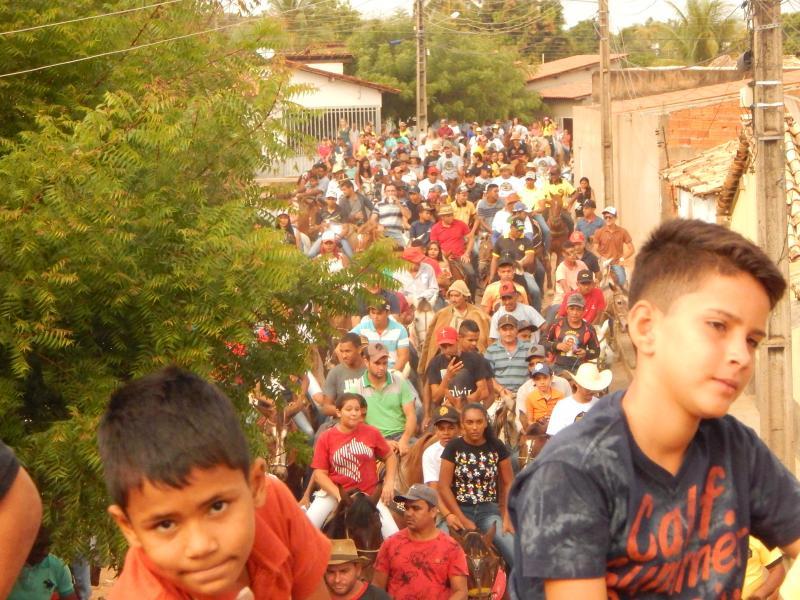 II cavalgada reúne vaqueiros e amante da vaquejada em Cristino Castro