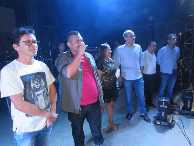 Com apoio do deputado Firmino Paulo Leandro C. apresentou calcinha preta