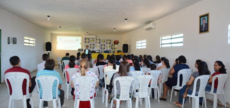 Formação pedagógica prepara professores para o segundo semestre letivo