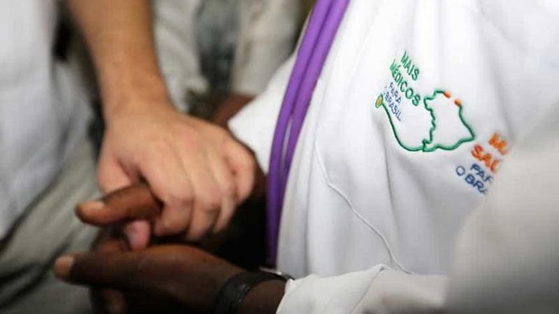 Novo programa substituirá Mais Médicos no país