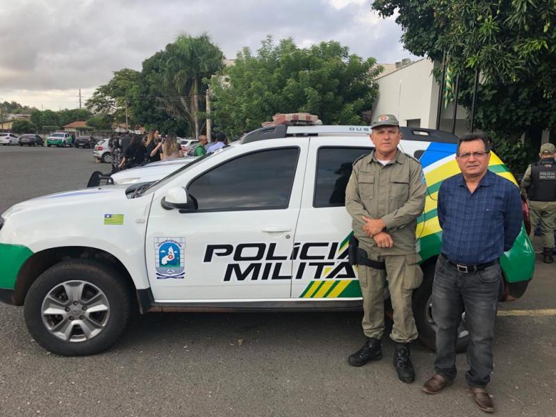 Prefeito Genival Bezerra recebe viatura para o GPM de Joaquim Pires