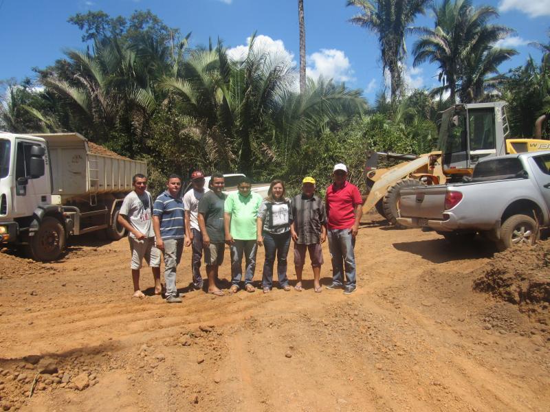 Prefeita Vilma Lima acompanha trabalhos de recuperação de estradas vicinais