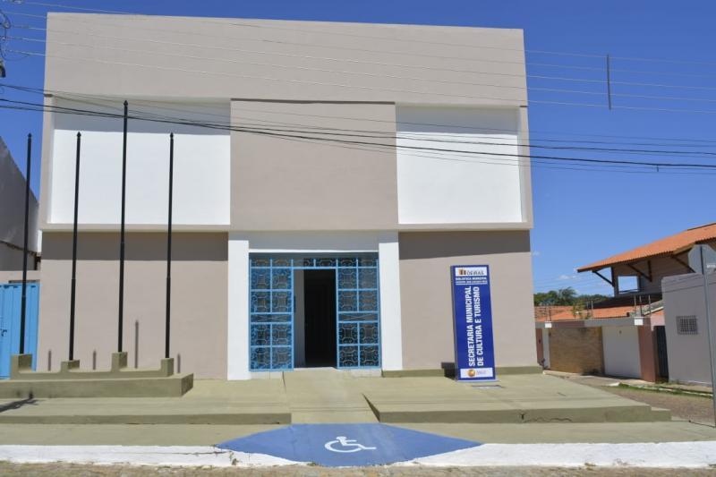 Oeiras inaugura Biblioteca Municipal Escritor José Expedito Rêgo