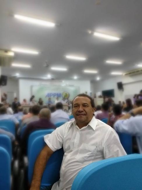 Prefeito de Curralinhos firma parceria com a FUNASA para construção de banheiros na zona rural
