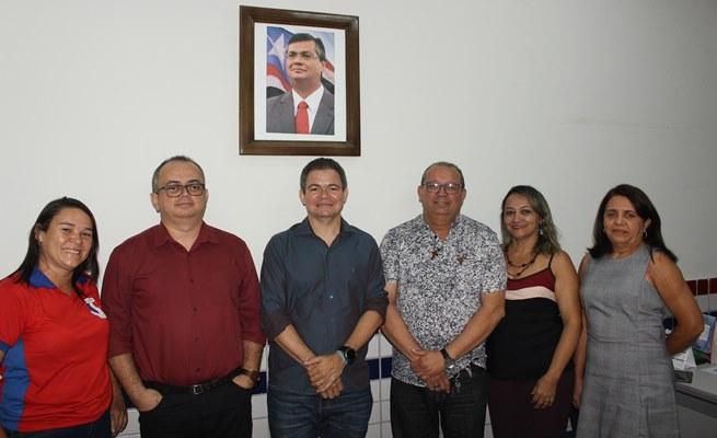 Deputado Rafael Leitoa visita orgãos do Estado em Timon