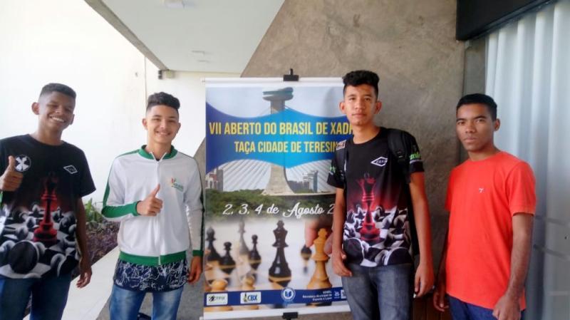Estudantes de Água Branca participam de campeonato de xadrez em Teresina