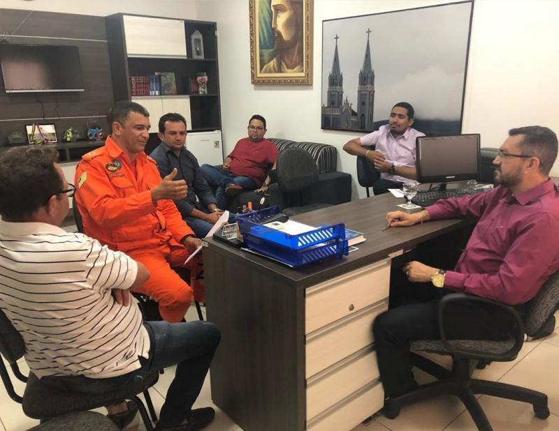 Comandante do Corpo de Bombeiros se reúne com Prefeito de Picos