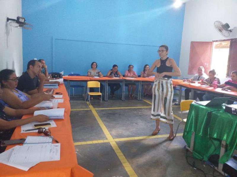 Educadores de Miguel Leão participaram de formação para o inicio das aulas