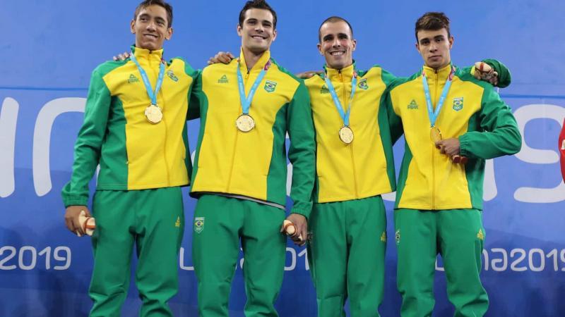 Brasil começa bem na natação com seis pódios e três ouros no Pan