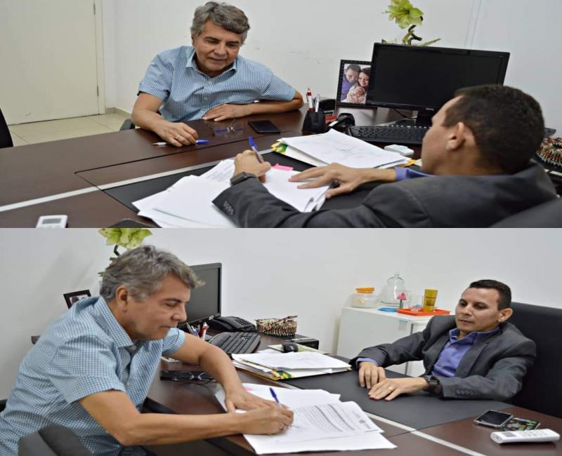 Prefeito de Monsenhor Gil assina convênio de mais de R$ 148 mil com a Seid
